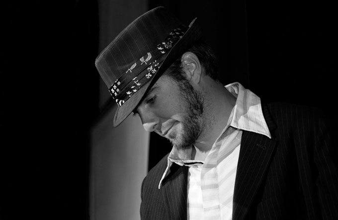 mož s klobukom